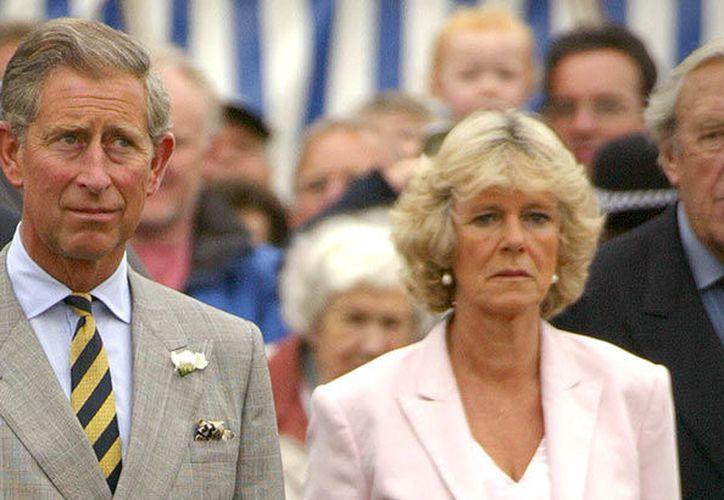 Pese a la relación de varios años, parece que el príncipe Carlos podría enfrentar su segundo fracaso matrimonial. (Vanidades)