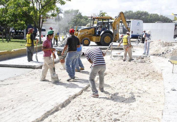 El objetivo de los trabajos es crear un límite bien definido de la zona centro de Cancún que permita elaborar la reactivación en todos los sentidos. (Tomás Álvarez/SIPSE)