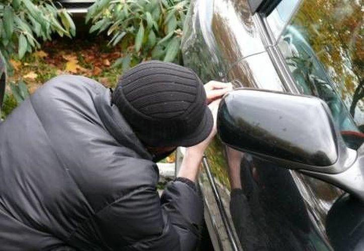 En 2012 los amantes de lo ajeno se apoderaron de 73 mil 884 autos en México. (SIPSE)