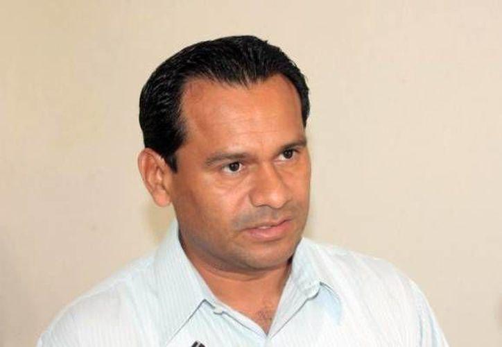 El procurador de justicia, Gaspar Armando García Torres, respondió al llamado de auxilio de los moradores de Puerto Morelos. (Archivo/SIPSE)