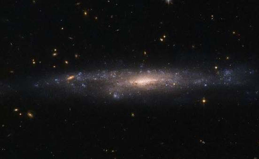 El hallazgo de seis nuevas galaxias oscuras podría ayudar a desentrañar qué son en realidad. (Contexto)