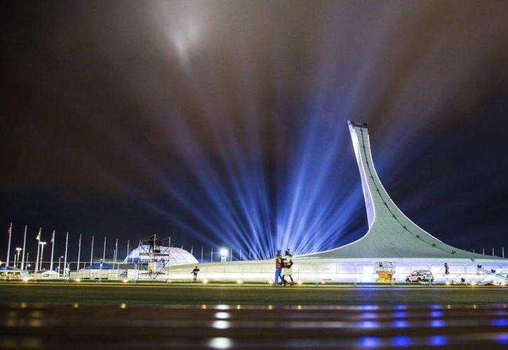 Las Olimpiadas de Invierno en Sochi comenzaron este viernes sin mayores contratiempos y entre amenazas terroristas. (Agencias)