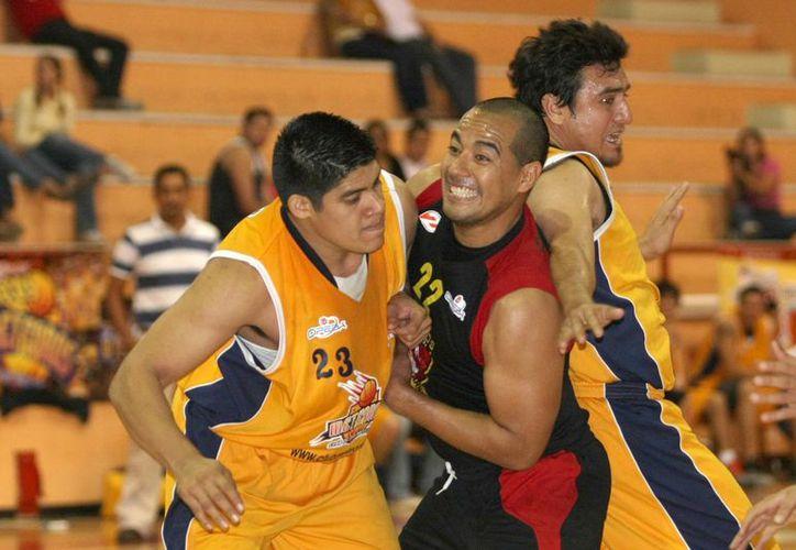 La categoría varonil entra en su mejor etapa, con cuatro equipos en la disputa por el título. (Ángel Villegas/SIPSE)