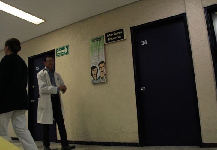 La hospitalización del asegurado en el IMSS sólo se puede dar bajo consentimiento expreso del trabajador. (SIPSE.com)