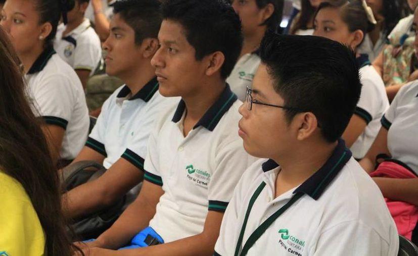 Los 24 alumnos son de las tres carreras técnicas que se imparten en el Conalep Playa del Carmen, Administración, Hospitalidad Turística y Refrigeración y Climatización. (Archivo)
