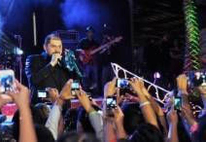 El canta-autor chiapaneco ha mencionado en varias ocasiones que disfruta de vacacionar en Cozumel. (Redacción/SIPSE)