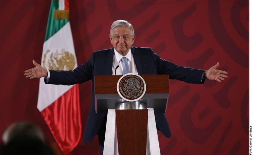 Defiende AMLO su propuesta de eliminar puentes. (Foto: Agencia Reforma).
