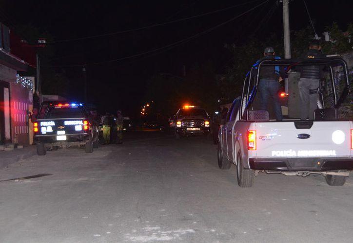 Policías implementaron un operativo para dar con los responsables, los cuales fueron detenidos. (Foto: Redacción)