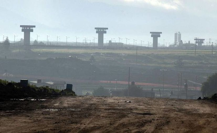 Con el paso del tiempo la tierra de Almoloya de Juárez se hizo improductiva para los ejidatarios quienes prefieren vender su tierra. Imagen de los alrededores del penal del Altiplano. (Archivo/AP)