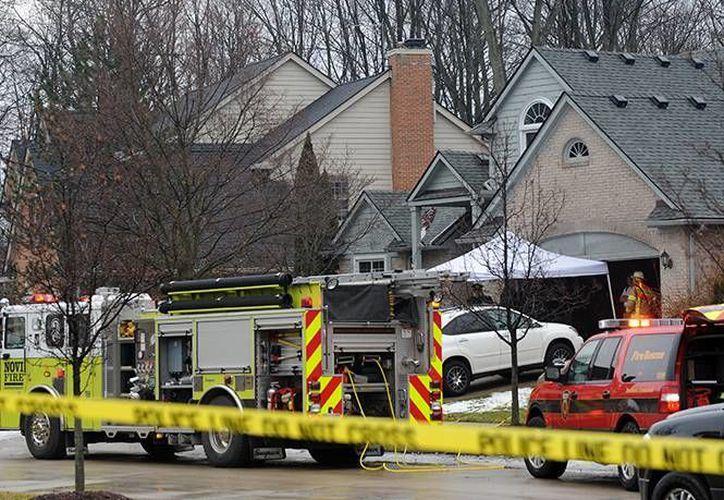 El sitio no contaba con salidas de emergencia. Se desconoce la edad e identidad de las cinco víctimas. (AP)