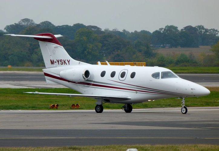 La aeronave Beechcraft Bonanza había despegado de Lubbock, Texas. (Fotos de contexto/wikipedia.org)