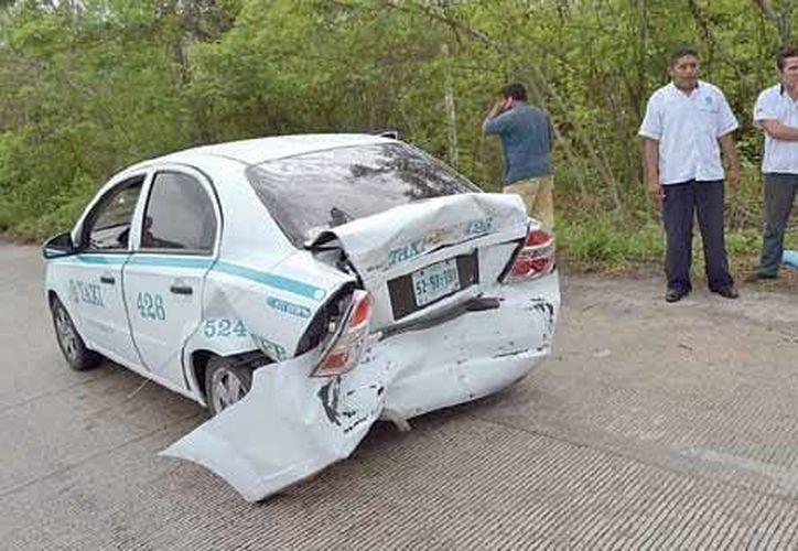 El exceso de velocidad aunado al pavimento mojado fueron factores claves en este accidente. (Redacción/SIPSE)