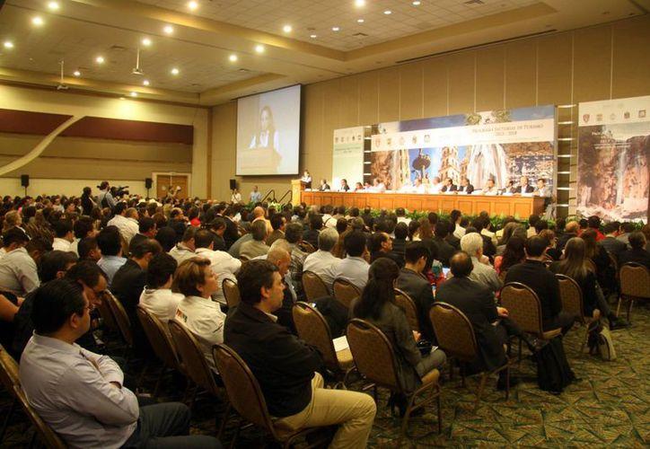 Uno de los detonantes del turismo extranjero en México es la celebración de foros, expos y conferencias de talla internacional. (Notimex)