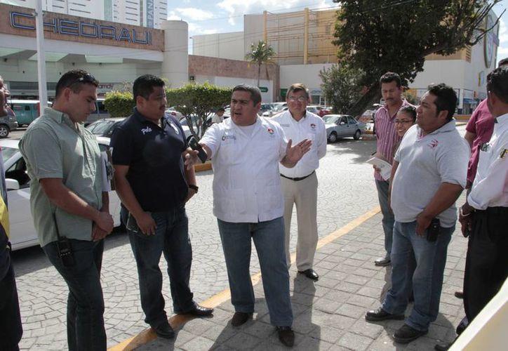 A partir de hoy vigilarán a los frecuenciadores en paraderos oficiales. (Tomás Álvarez/SIPSE)