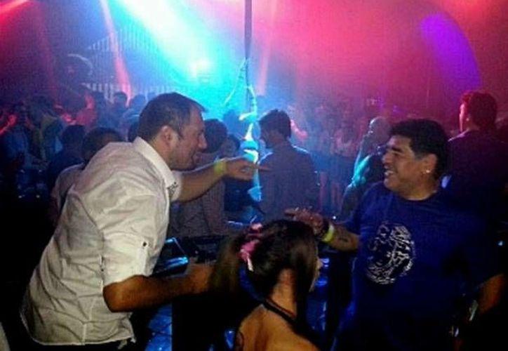 Diego Maradona en la discoteca Dubrovnik, en Croacia, donde protagonizó un zafarrancho. (ansalatina.com)
