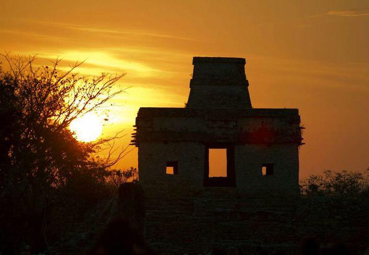 Dzibilchaltún es una de las zonas arqueológicas de Yucatán donde podrá apreciarse el fenómeno de luz y sombras que ocurre durante el solsticio de invierno. (Notimex/Archivo)