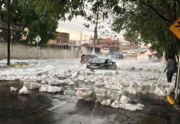 La lluvia y el granizo que cayeron en gran parte de la Zona Metropolitana de Guadalajara. (Telemundo).