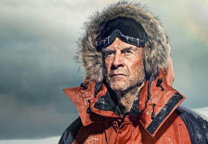 El británico septuagenario Sir Ranulph Fiennes busca seguir haciendo historia al completar  grandes recorridos alrededor del mundo en el 'reto de alcance global'. (hobbyearth.com)