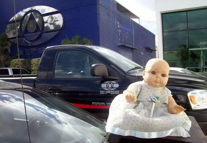 Caty, la muñeca embrujada de Dzitnup, se ha presentado en grupo SIPSE y otros medios de comunicación, incluso nacionales. (Jorge Moreno/SIPSE)