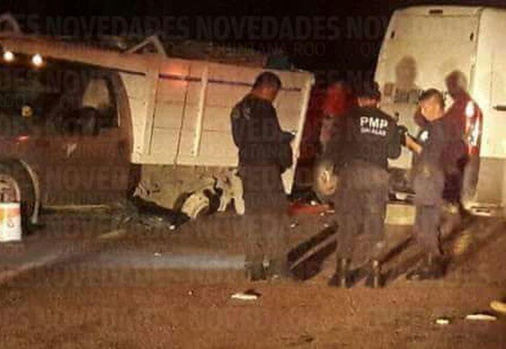El conductor de uno de los coches involucrados se dio a la fuga del lugar. (Eddy Bonilla/ SIPSE)