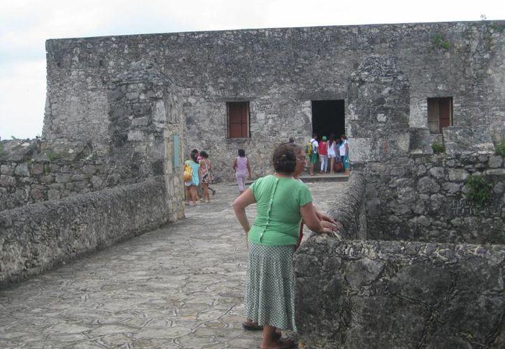 Túneles atraviesan el primer cuadro de la ciudad y comunican con el Fuerte de Bacalar y la parroquia de San Joaquín. (Javier Ortiz/SIPSE)