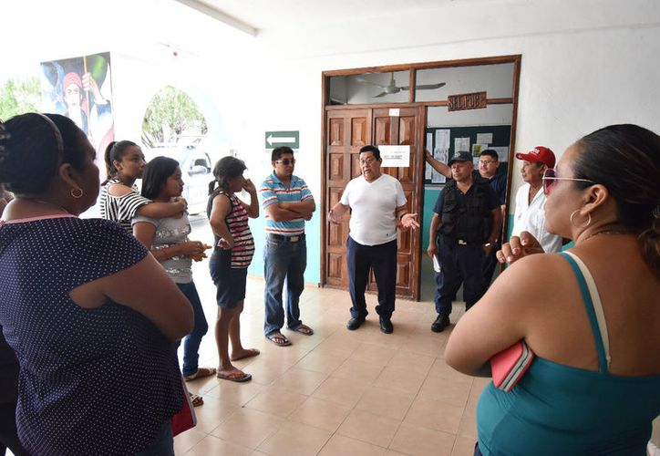Habitantes de la colonia Vicente Guerrero formaron un comité y exigieron seguridad y vigilancia a las autoridades. (Alejandro Poot/SIPSE)
