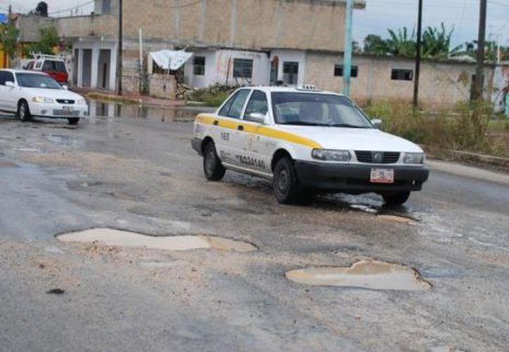 Muchas calles de la ciudad de Cancún están en mal estado y es urgente que las autoridades tomen cartas en el asunto.