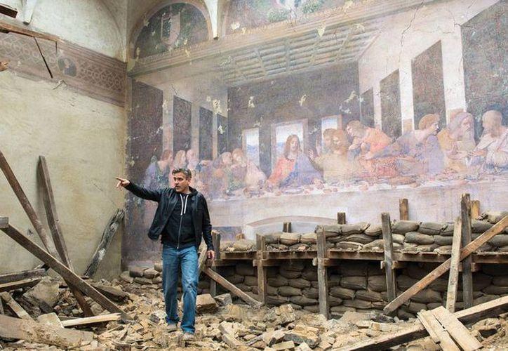 Medios de comunicación italianos criticaron duramente al elenco de 'The Monuments Men' por la foto junto a 'La última cena'. (Agencias)
