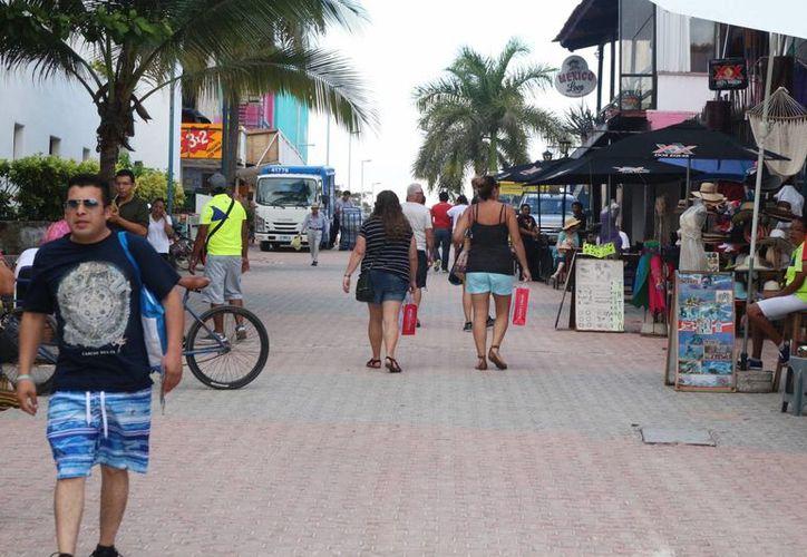 En enero iniciará la regularización de comercios en la zona turística. (Foto: Adrián Barreto/ SIPSE)