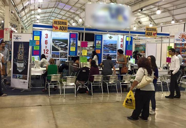 Empresas se reúnen del 27 al 29 de abril en el Centro de Convenciones Yucatán Siglo XXI en el evento Outlet  de Verano 2018. (Milenio Novedades)