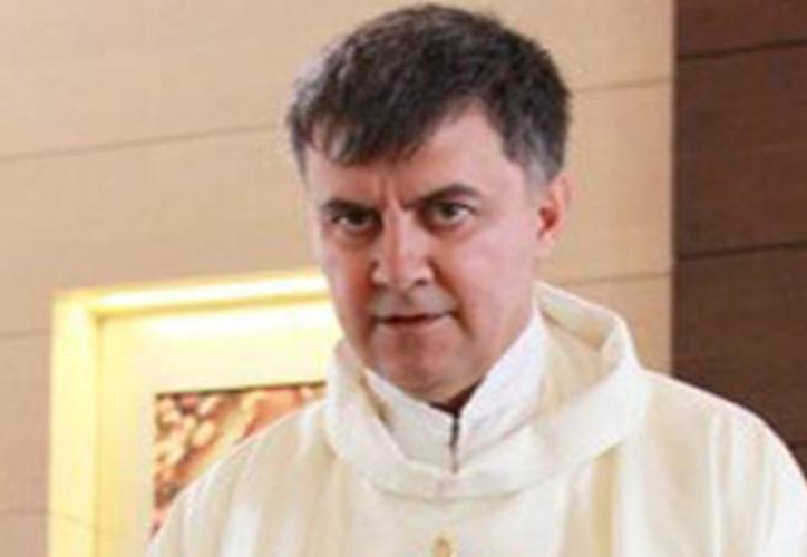 La PGR solicitó apoyo de la Interpol para capturar a un sacerdote de San Luis Potosí, por presuntos abusos contra menores de edad. (MVS)