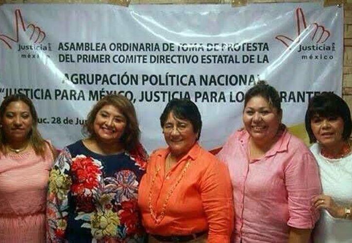 Gladys Pinto Muñoz, representante de la zona sureste de 'Justicia para México, Justicia para los Migrantes', alertó de que 'son muchos los niños que están siendo dados en adopción sin que los padres lo autoricen'. (SIPSE)