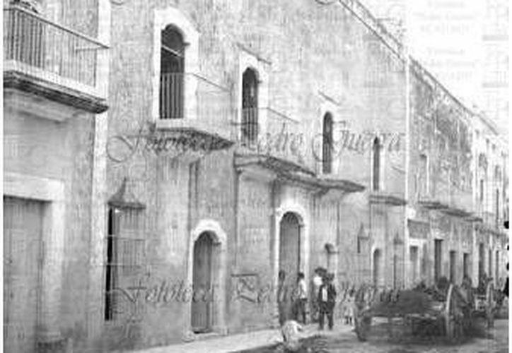 Ubicar el domicilio correcto en las antiguas calles de Mérida era una tarea titánica para los carteros. (Sergio Grosjean/SIPSE)