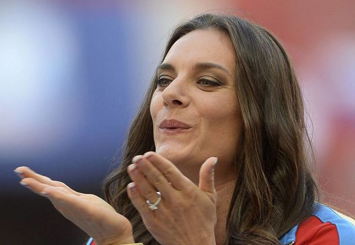 El entrenador de la campeona olímpica dijo que a la 'zarina' de la pértiga le falta mucho para su regreso a las competencias. (Foto: EFE)