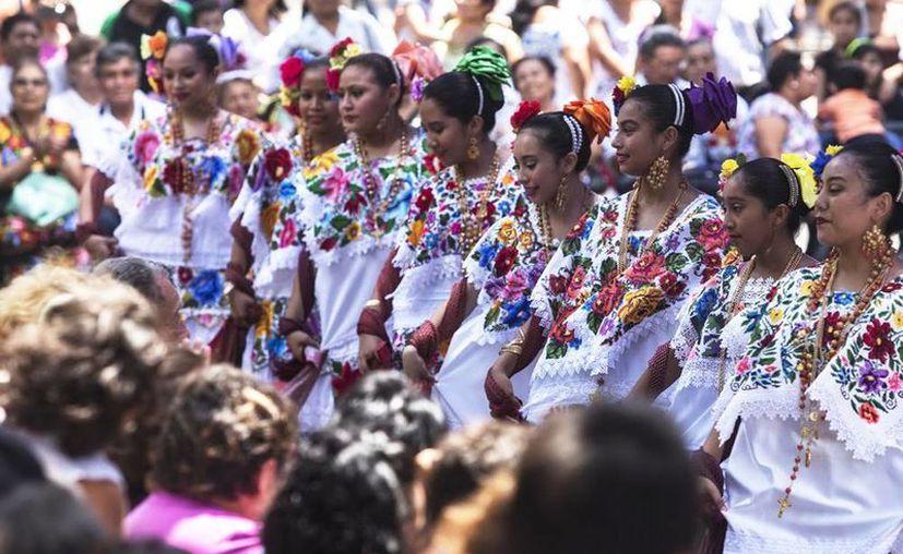 Se presentarán conferencias, danza, estampas y exposiciones en el teatro José Peón Contreras. (Milenio Novedades)