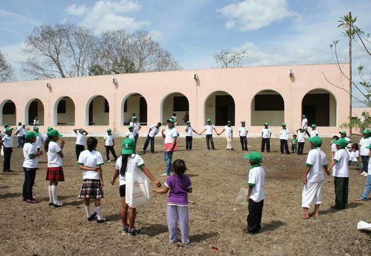 Los alumnos refuerzan conocimientos y actitudes, como la higiene bucal. (Milenio Novedades)