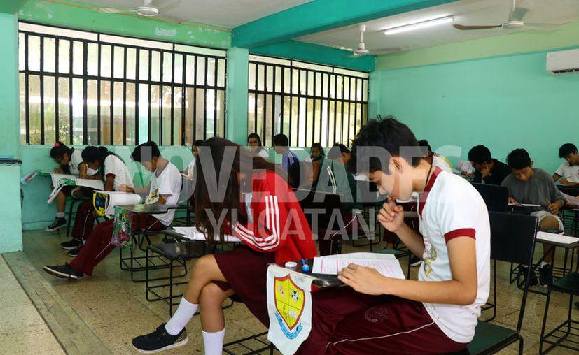 Para los niveles de educación secundaria, preparatoria y universitario el proyecto se aplicará en el ciclo escolar 2020-2021. (Jorge Acosta/Novedades Yucatán)