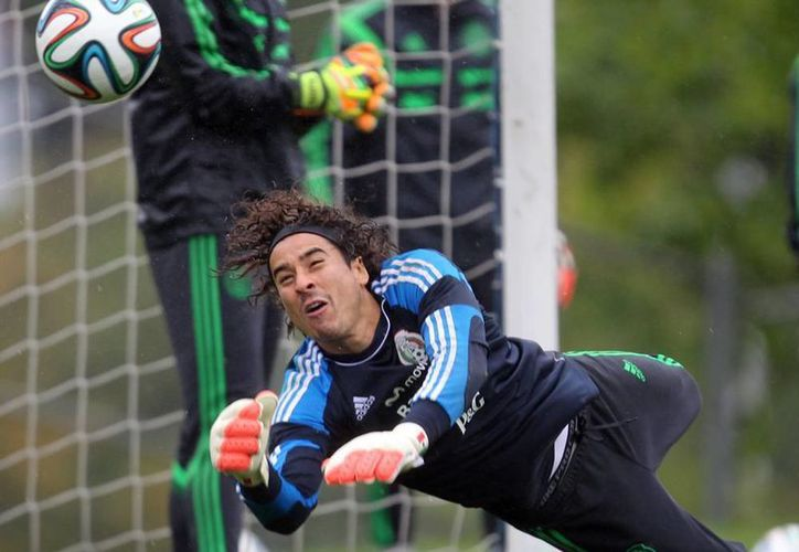 Guillermo Ochoa, actualmente en el Málaga, tuvo destacada actuación en el Mundial Brasil 2014 defendiendo la portería de la Selección Mexicana. (Notimex)
