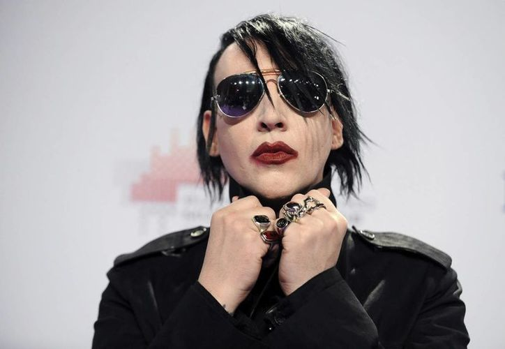 Manson, en su cuenta de Twitter, puso una foto suya promocionando una cazadora de cuero. (EFE)