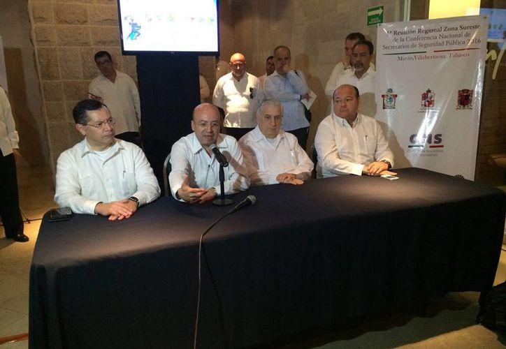 Renato Sales Heredia, comisionado nacional de Seguridad, partició en la inauguración de la Primera Reunión Regional Zona Sureste. (Notimex)