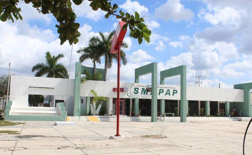 Hace poco la CFE cortó el servicio de energía al Smapap por un adeudo de más de 1 millón de sos. Este viernes hubo un nuevo corte por un nuevo adeudo de más de 800 mil pesos. (Foto: Gerardo Keb/SIPSE)