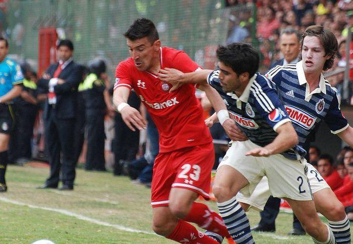 El Guadalajara, que salió en busca de la igualada ante Toluca, vio rota su racha de dos triunfos consecutivos y se quedó en quinto lugar de la tabla.