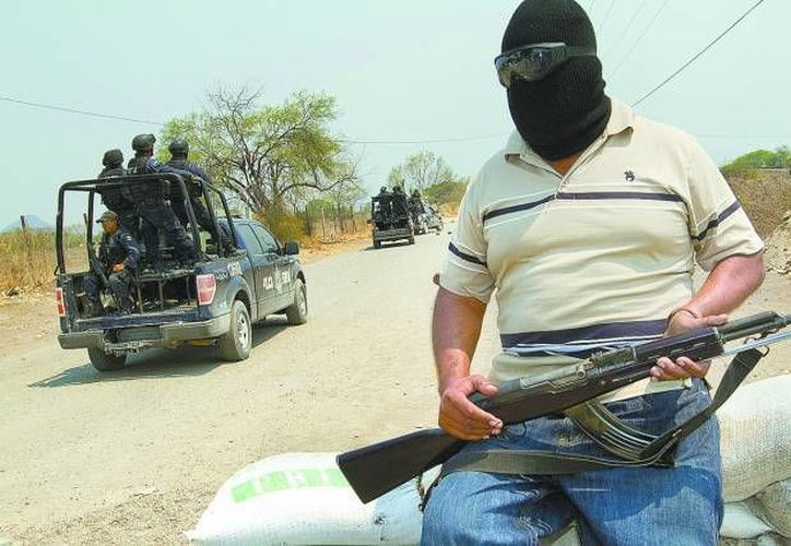 Según Hipólito Mora, jefe de autodefensas de La Ruana, les dijeron que sólo durarían 15 días como movimiento, pero ya cumplieron un año. (Milenio/Contexto)