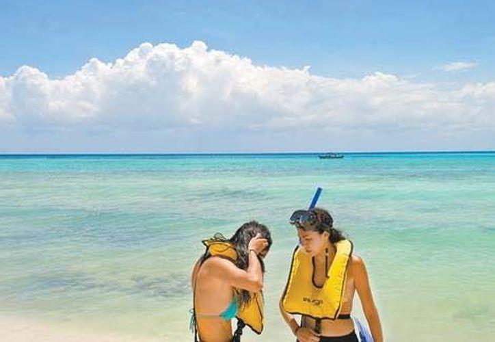 Se estima que durante este fin de semana más de 2 millones de turistas recorrerán los destinos vacacionales del país. (Milenio)