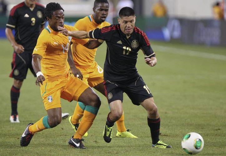 Oribe Peralta siguió con la buena racha que comenzó en el partido de la Selección ante Costa de Marfil, al que corresponde la foto. (Notimex)
