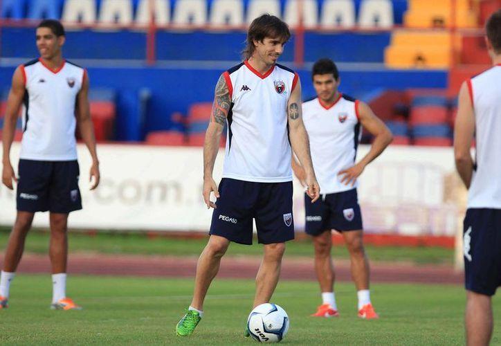 Atlante y Jaguares están empatados en puntaje a dos unidades del líder Mérida FC. (Ángel Mazariego/SIPSE)