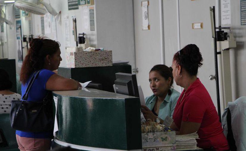 El IMSS y el Seguro Popular son los dos sistemas que concentran la atención de la población adolescente y adultos jóvenes. (Paola Chiomante)