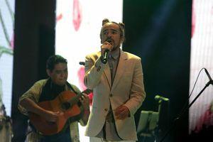 'Trova Mix' pone a bailar a yucatecos en la Plaza Grande