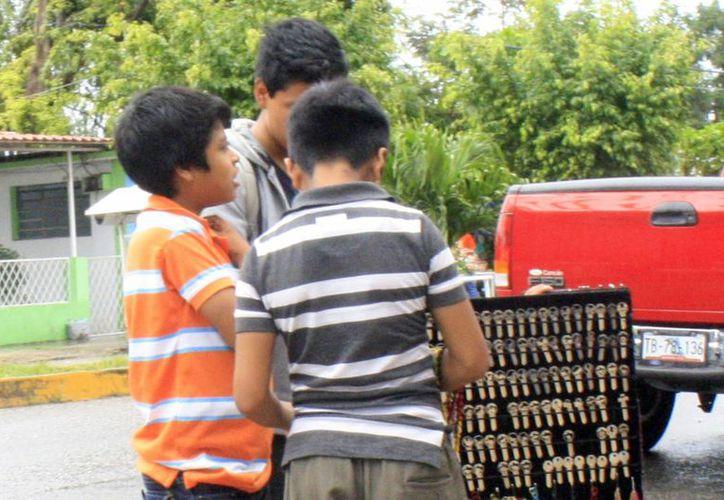 Durante todo el año se realizan trámites de permisos para trabajo de menores. (Harold Alcocer/SIPSE)