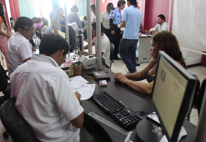 Las autoridades del Instituto Nacional Electoral prevén que en noviembre se dará a conocer la convocatoria para el reclutamiento de capacitadores, así como de supervisores y técnicos electorales. (Benjamín Pat/SIPSE)